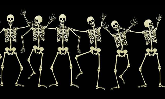 skeletons-ripleys-10x6-4web